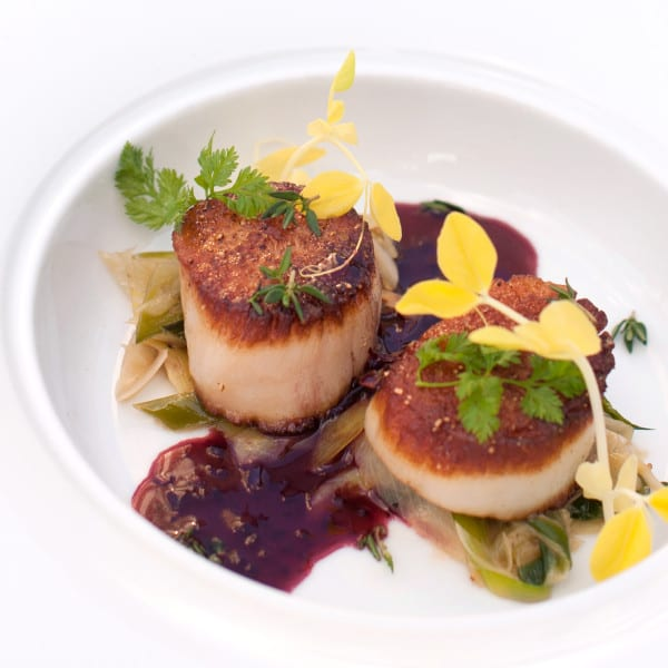 Pan-Seared Diver Scallops with Thyme Butter