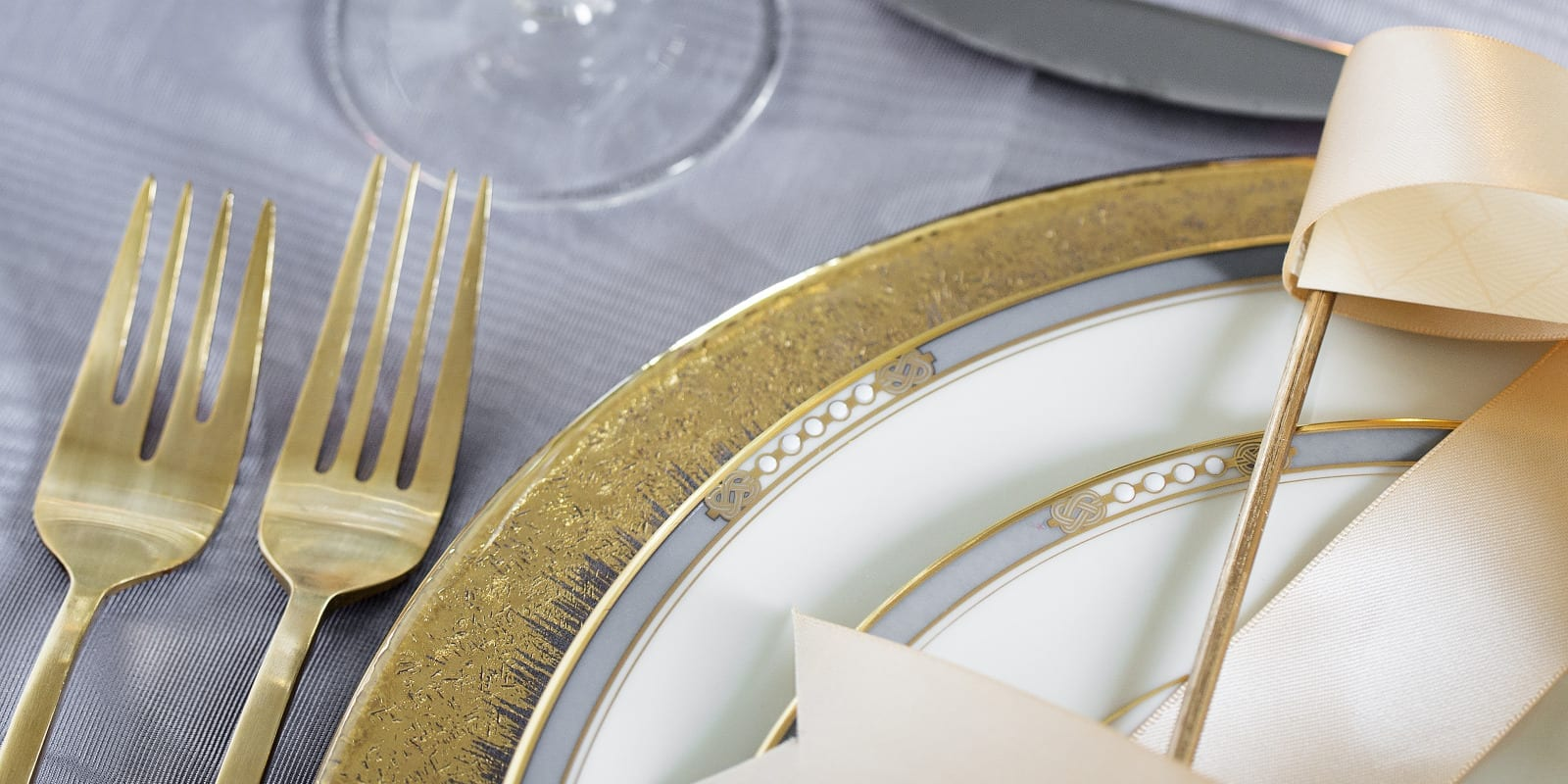 Five Fuss-Free Holiday Entertaining Tips