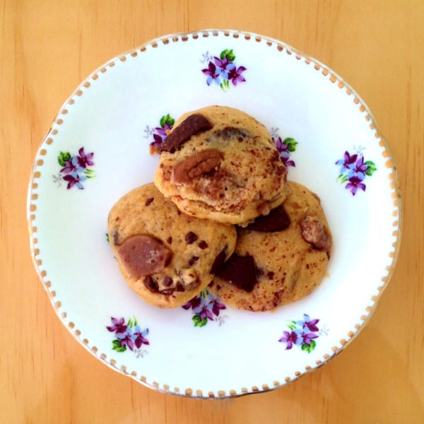 Pumpkin Praline Milk Chocolate Cookies