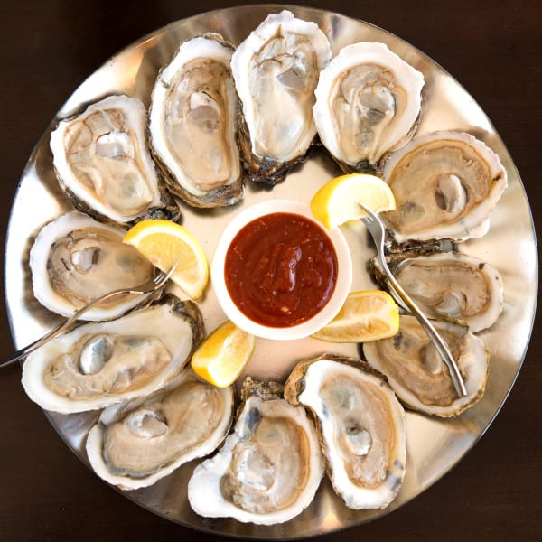 Simple Seafood Shines in Jacksonville