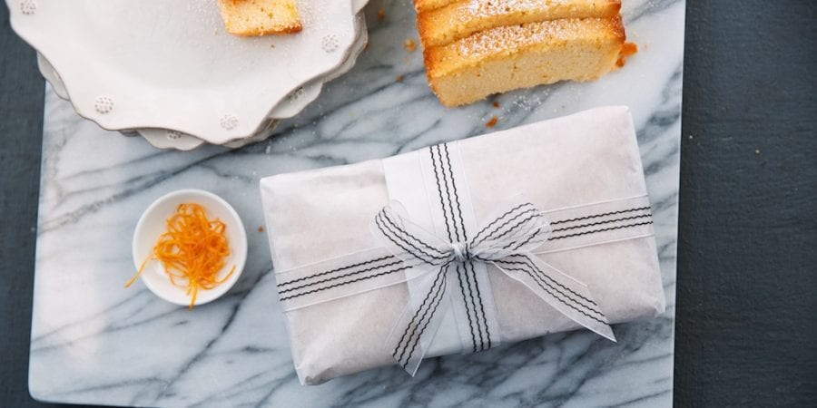 giftwrapped-cake-2